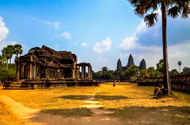 33 Angkor Wat