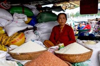 83 Hue - Mercado