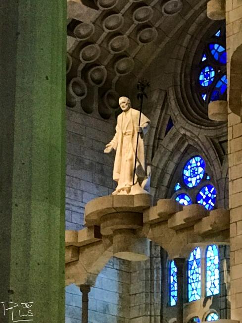 27 Sagrada Familia